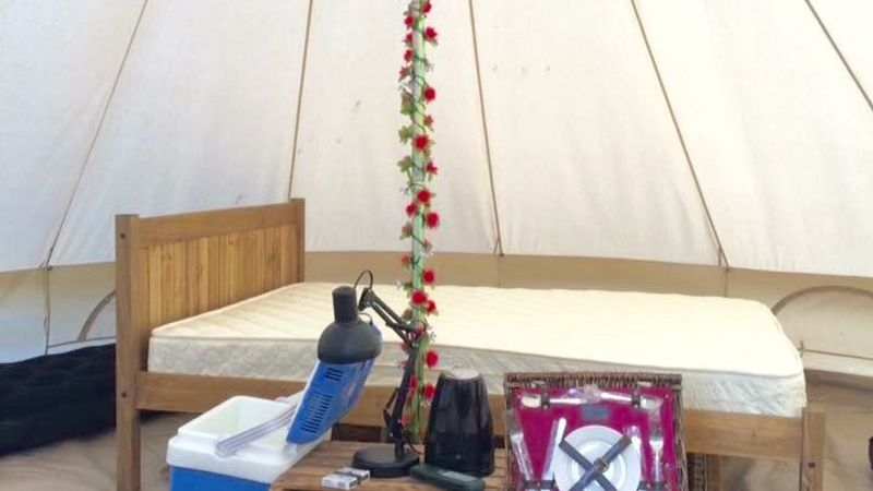 Medium crop bell tent internal pic