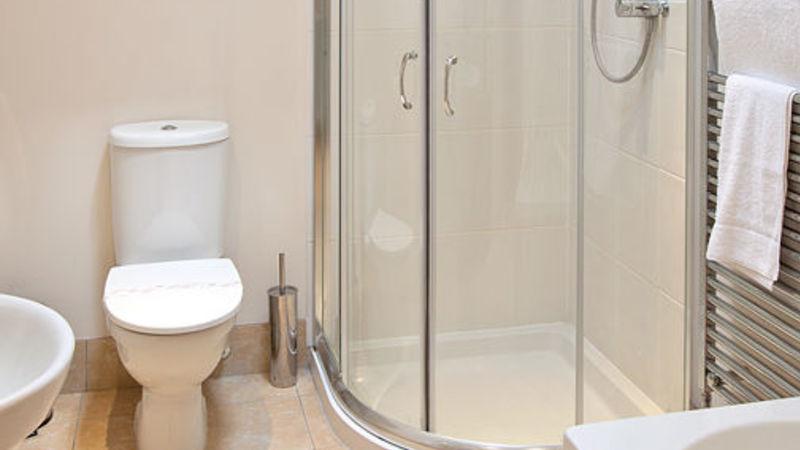 Medium crop room 7 bathroom