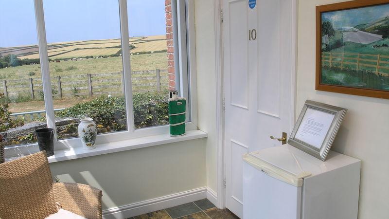 Medium crop room 10 door