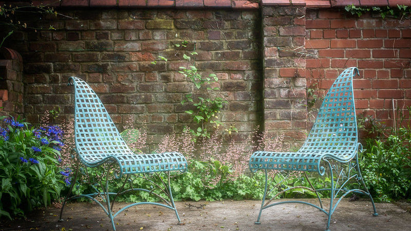 Medium crop garden chairs